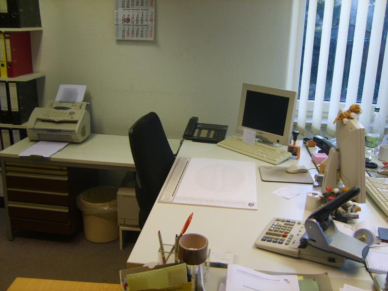 Schreibtisch_in_Arbeit